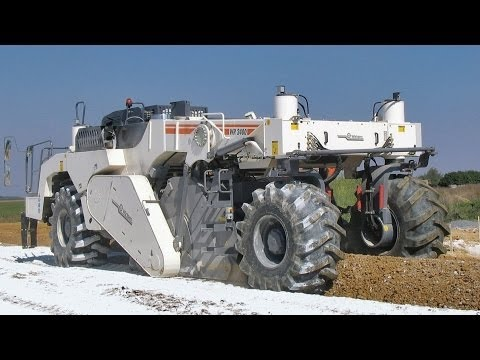 Wirtgen WR250 - Cold Recycler And Soil Stabilizer