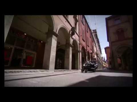 Piaggio MP3 LT 300 - Official Video