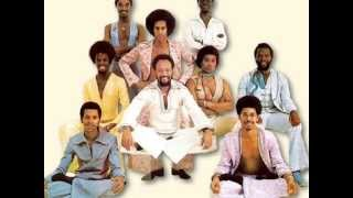 Watch Earth Wind  Fire The Right Time video