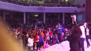 "Uche Agu Singing ""You Are The Reason"" At The African Praise Experience 2015"