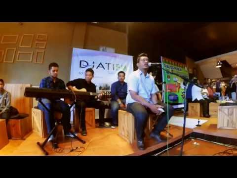 Cintailah Mereka -  GIGI cover by Innocent Acoustic