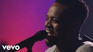 Travis Greene ft. Isaiah Templeton, Geoffrey Golden - See the Light (Official Music Video)