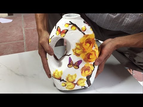 How to make beautiful flower vase from fabric softener bottle // home decoration ideas