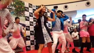 Dare dazzle dance troup performing with alia bhatt & siddharth malhotra