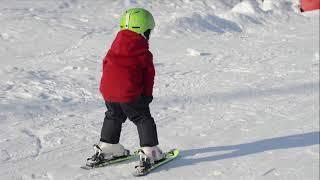 Обучение детей горным лыжам. Повороты в плуге.