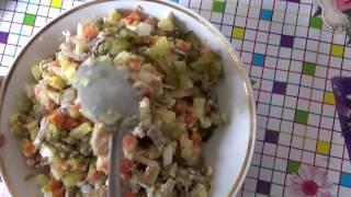 ОЛИВЬЕ - вкусный и популярный салат из бывшего СССР. Едим дома. Готовим сами.
