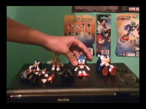 Figure Review: Sonic 20th Anniversary Figures and Plush!