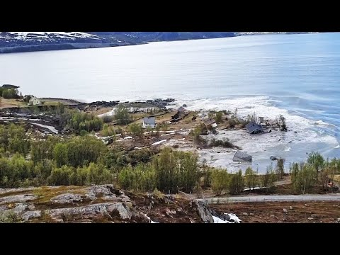 Landslide sweeps Norway homes into the sea