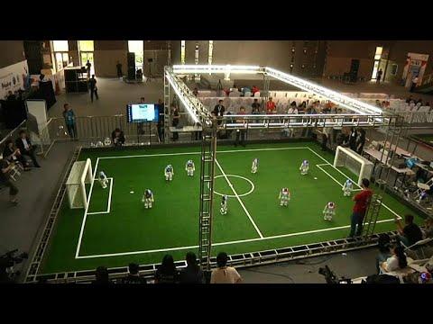 شاهد: مونديال كرة القدم مصغر للروبوتات في الصين  - 16:54-2019 / 5 / 18