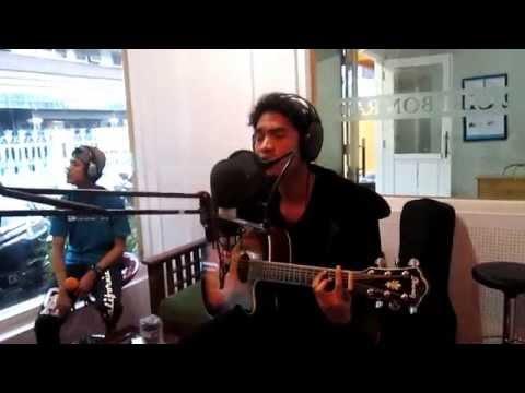 Adista - Ditinggal Lagi Live Acoustic di Cirebon Radio #MUSIKANAN - EPISODE 4
