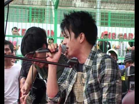 Peterpan - Topeng live at Rutan Kebon Waru Bandung ( full video )