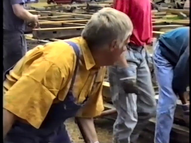 1992 07 09 11 Aufsetzen des Fachwerkes
