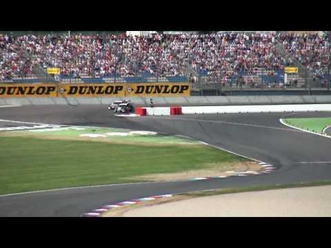 DTM 2010 auf dem EuroSpeedway: Markus Winkelhock  überholt Oliver Jarvis [Zeitlupe]