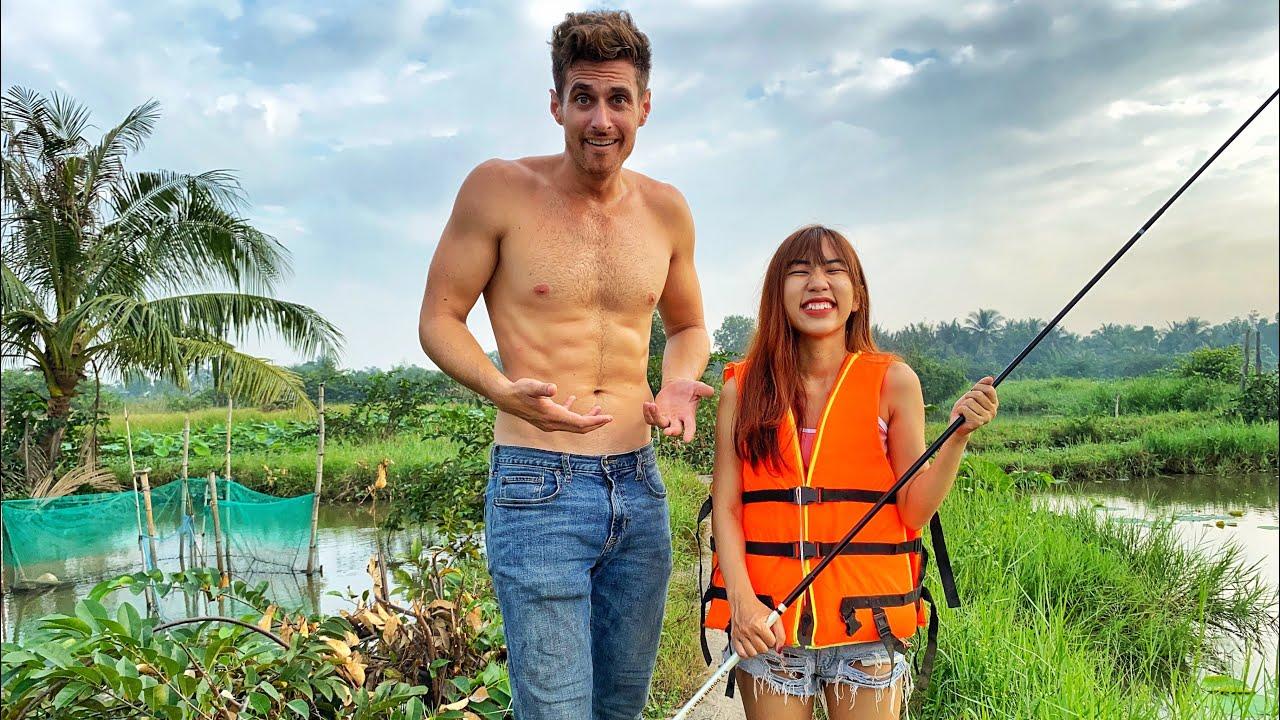 FISHING with the SMALLEST VIETNAMESE GIRL IN THE WORLD!? CÂU CÁ với CÔ GÁI NHỎ NHẤT THẾ GIỚI!?!