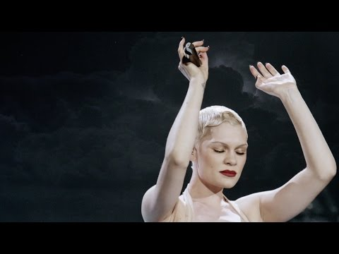 Jessie J - Thunder | Alive at the 02 |  1080p
