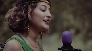 Melike Şahin - Hepsi Geçti | Karavan Sessions Video