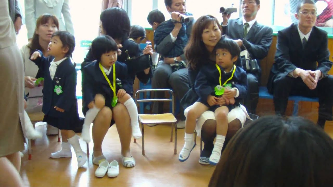 卒園式ママしゃがみパンチラ Entrance ceremony 06 - りお入園式06