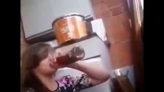 Пьяные  девки жгут