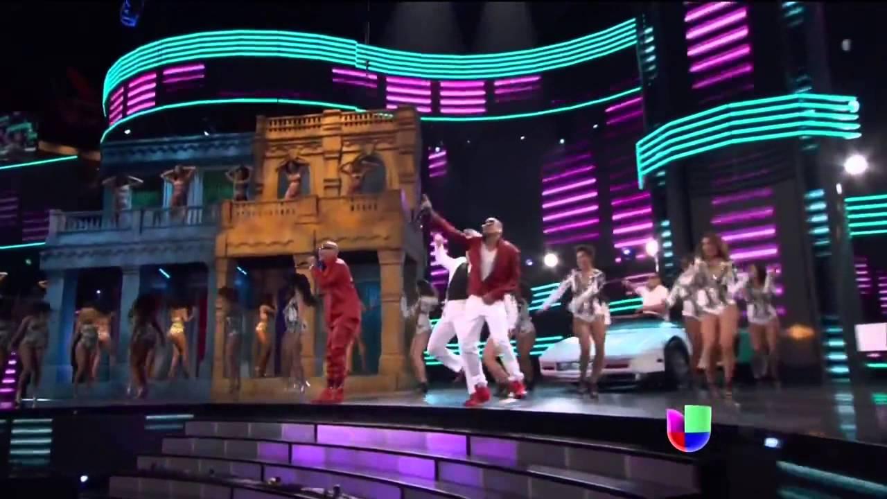 """Download Pitbull ג€"""" Piensas Dile La Verdad feat Gente De Zona Premio lo Nuestro 2015 HD"""
