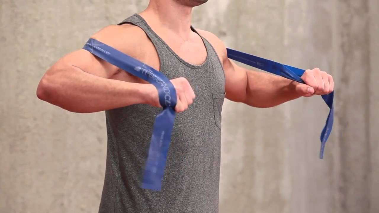 Dynamic Hug Exercise with the TheraBand® CLX™ - YouTube