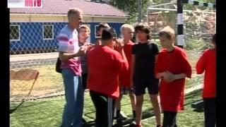 В Канавинском районе на территории 121-й школы появилось новое футбольное поле(, 2013-06-10T05:44:15.000Z)