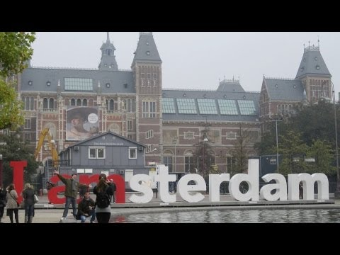 Visiting the Museumplein | Amsterdam Travel