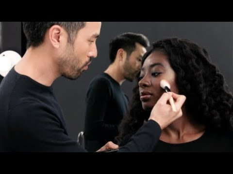 How to Choose the Perfect Highlighter for Your Skin Tone | Bobbi Brown Cosmetics