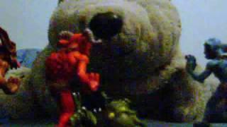 Overlord Minion figurines vs. polar bear