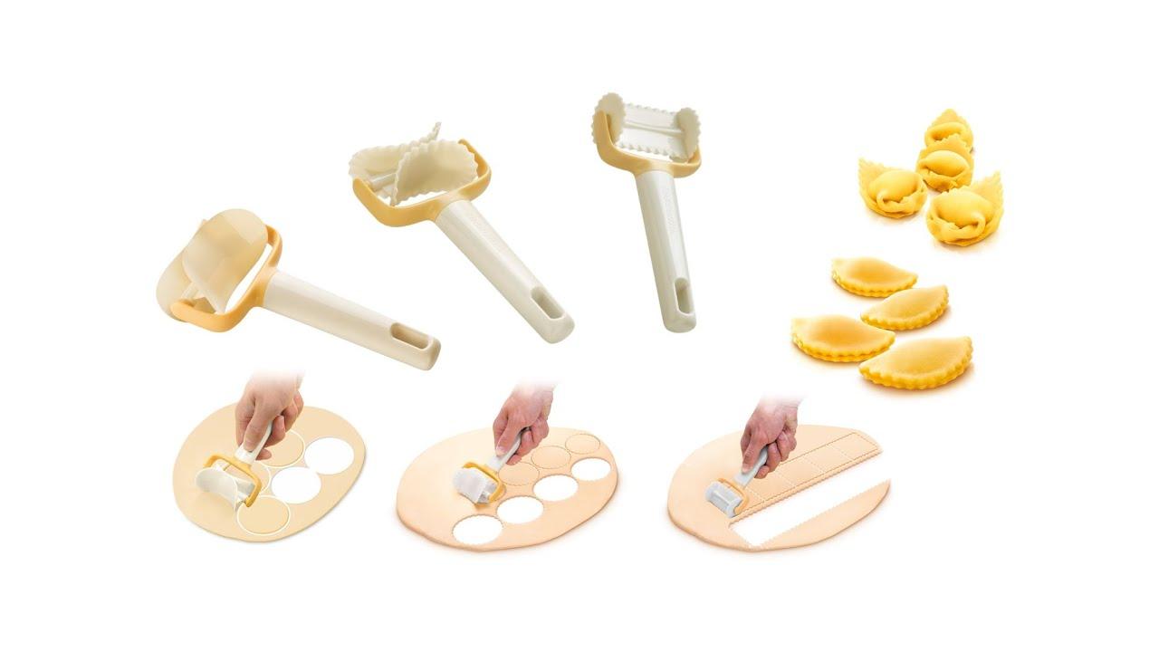 И ножки, и ролики могут быть изготовлены из металла, пластика, дерева с использованием прорезиненных элементов. Стальные опоры, согласно.