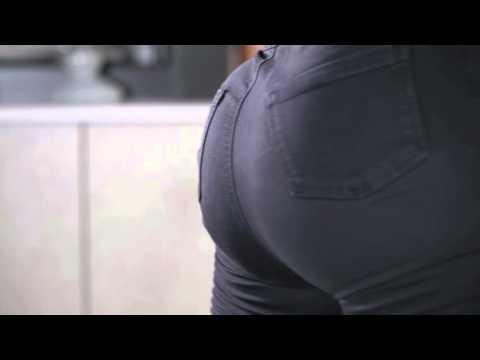 Watch Iskra Lawrence Perform One Very Impressive Butt Flex Trick