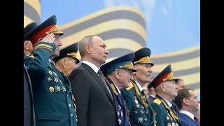 Putin hosts Kremlin Regiment on Victory Day