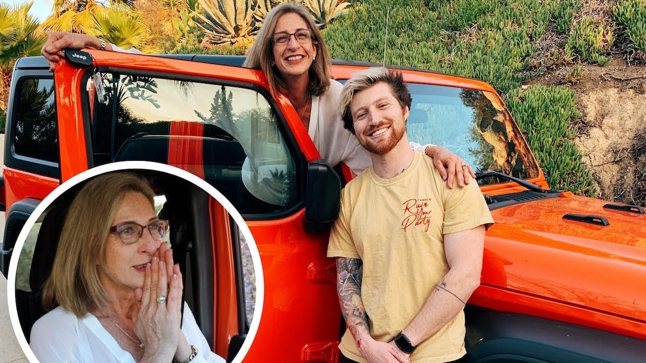 surprising-mom-with-dream-car-for-christmas-emotional