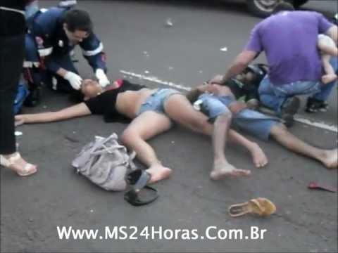 Samu socorre vítimas de acidente na Avenida Bandeirantes CG MS