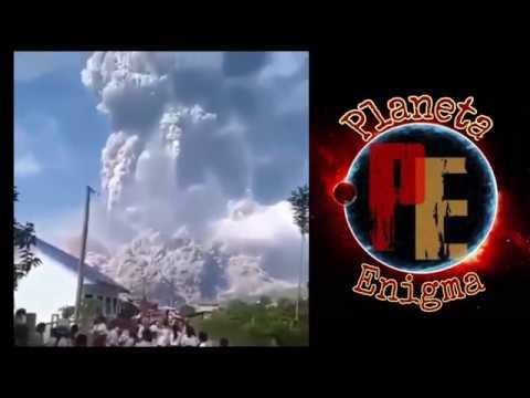 2018 Gran erupción del volcán Sinabung, en Sumatra, Indonesia | Huge eruption of Sinabung Volcano