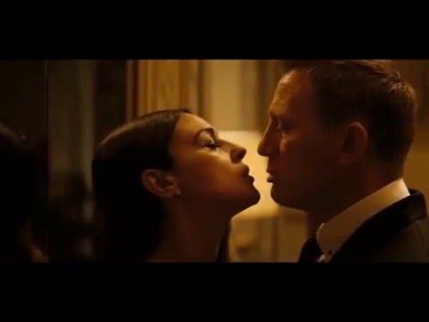 James Bond Kiss! (Spectre 2015)