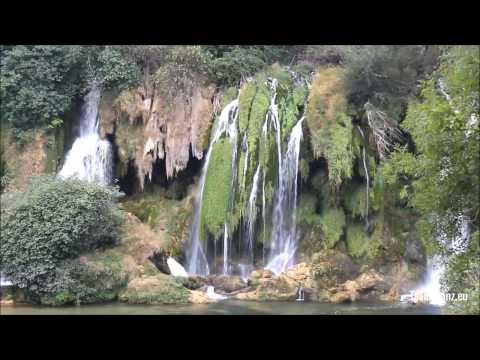 Bosnien Bosnia Herzigowina // Kravica Waterfall Wasserfall // Traumtanz.eu