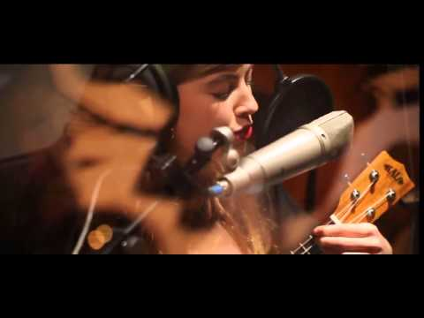 Emma - Country roads (ukulele cover)