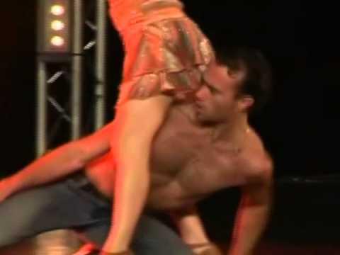 GUILHERME SILVA - AMOR ROUBADO SHOW DANCE ( Chelsea Tavares e Mendes Brothers )