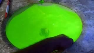 Verde fluorescente com luz negra, atóxico