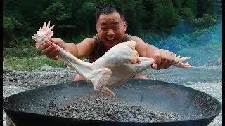 【山藥村二牛】雞這樣做真好吃,整隻雞放在沙子裡燜,比吃叫花雞過癮
