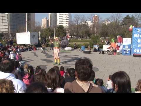Payaso Manotas. Resumen de la función en Plaza Moreno - Argentina - 2013
