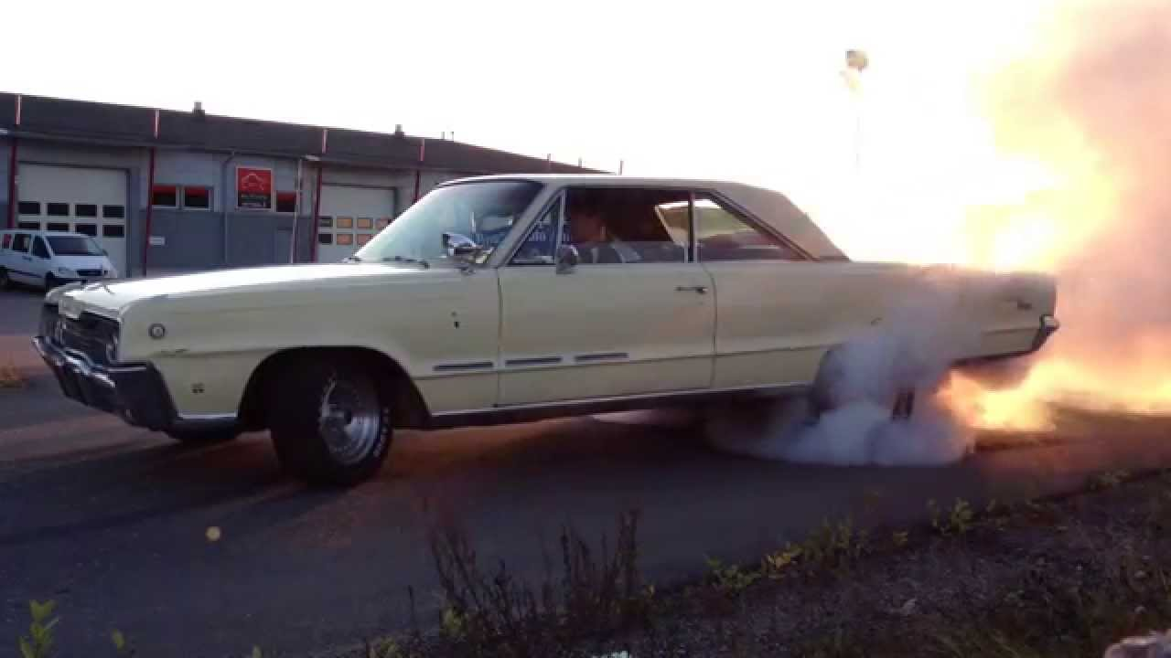 dodge monaco 1966 383 burnout youtube. Black Bedroom Furniture Sets. Home Design Ideas