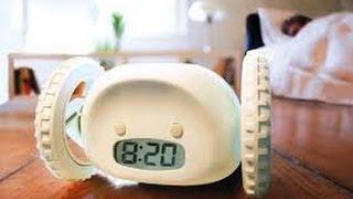 видео Обзор необычного убегающего будильника Clocky