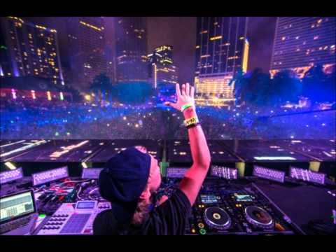 Addicted to you - Avicii - New LIVE Version CLEAN Radio Edit Tomorrowland EDC