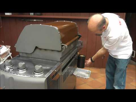 Smoke Generator DEMO, How to Make Your Covered Grill a BBQ Smoker with SmokeMiester