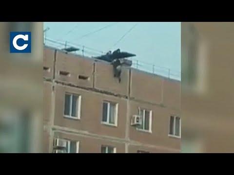 В Запоріжжі 13-річна дівчина намагалася стрибнути з даху дев'ятиповерхівки