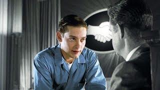 【穷电影】男子意外来到一个诡异世界,这里的人不仅全身黑白,而且还很怪异