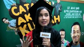 Main Film CATATAN AKHIR KULIAH, Dina Anjani Senang Cicipi Wisuda
