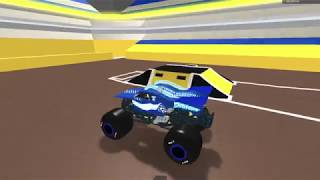 Roblox monster jam San Antonio, TX Freestyle (Broken physics but still somewhat realistic)