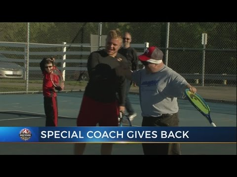 Olentangy Liberty senior volunteers his time to coach Special Olympics tennis